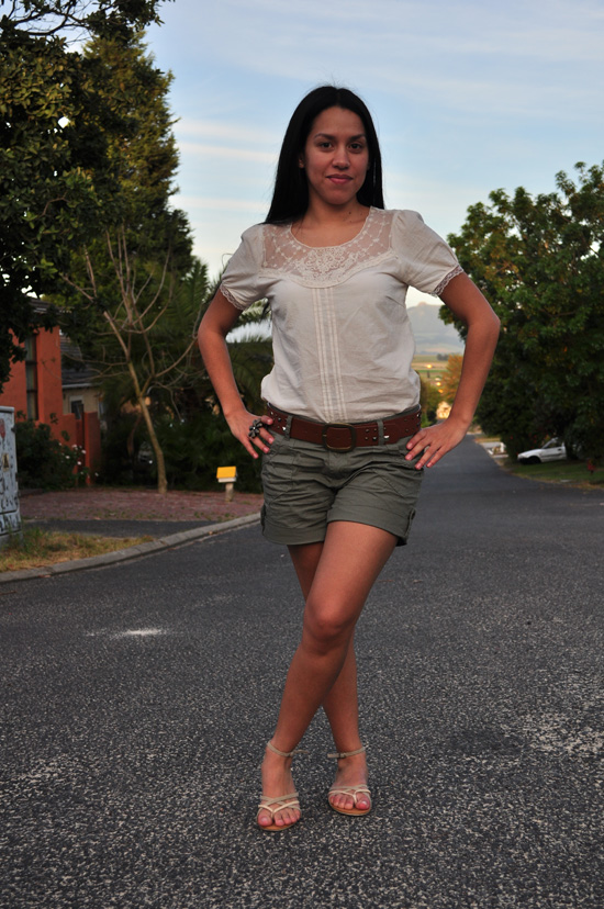 Anthea, Embracing Style, Cream Lace top, khaki shorts, beige flat sandals