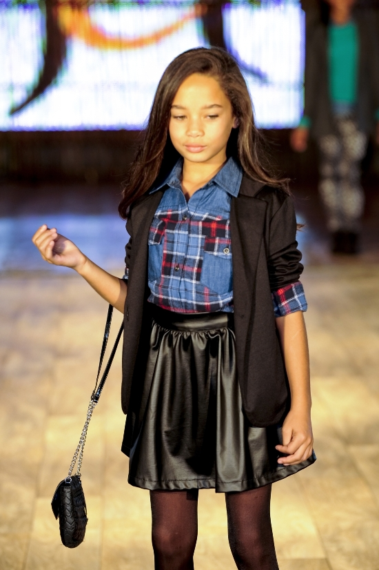 Girls outfit pleather skirt at The Jet Winter Launch 2014