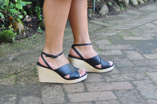 Embracing Style - Outfit Post - Black Wedge Sandal